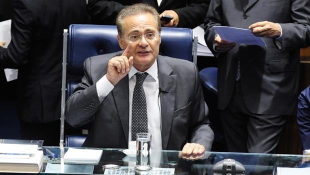 Mesa do Plenário do Senado durante sessão deliberativa ordinária presidida pelo senador Renan Calheiros (PMDB-AL) | Foto: Jonas Pereira/Agência Senado