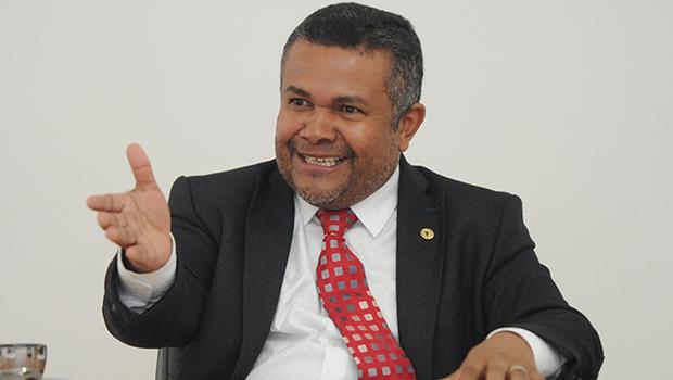 Santana Gomes, candidato a deputado estadual, tem forte presença na Polícia Militar