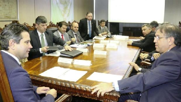 Ministro Maurício Quintella (esquerda), governador Marcelo Miranda e equipes: portas do ministério estão abertas ao Estado do Tocantins