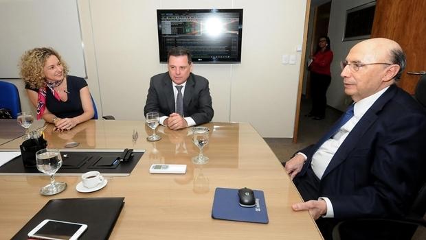 Marconi participou de novo encontro com ministra nesta terça, ao lado da secretária Ana Carla Abrão   Foto: Lailson Damasio de Melo