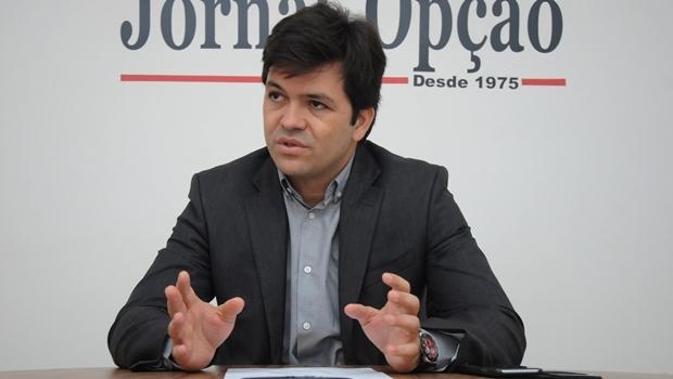 Secretário Fernando Machado durante entrevista ao Jornal Opção   Foto: Renan Accioly