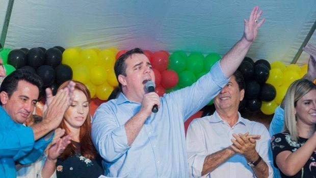 Gustavo Mendanha no evento de lançamento da pré-candidatura para prefeito de Aparecida de Goiânia | Foto: Divulgação/Facebook/ Rodrigo Estrela
