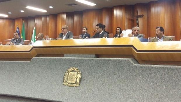 Mesa da Câmara durante a prestação de contas da prefeitura | Foto: Prefeitura de Goiânia