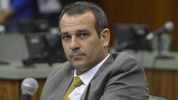 """Para Renato de Castro, Waldir é """"completamente instável""""  Foto: Marcos Kennedy / Alego"""