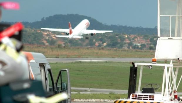 MPF apura omissão de companhia área em caso de homem que se masturbou durante voo