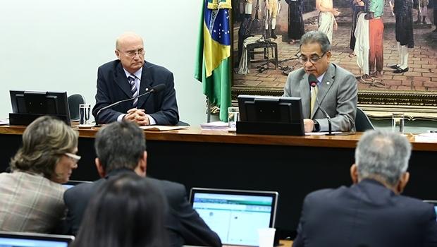 Presidente da CCJ e relator do processo de Cunha, Osmar Cerraglio e Ronaldo Fonseca | Foto: Gilmar Félix | Agência Câmara