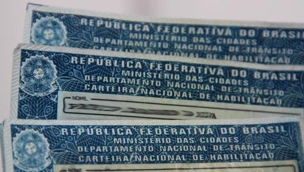 Polícia do DF faz operação contra venda de carteiras de motorista