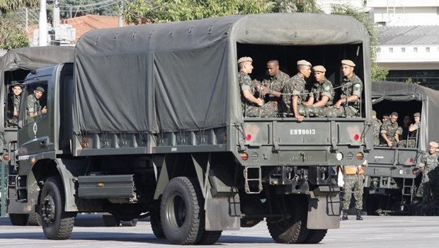 Câmara aprova julgamento especial de militares que cometerem crimes dolosos contra civis