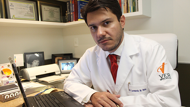 """Presidente do Cremego: """"Qualquer um entra em faculdade de medicina hoje, basta ter dinheiro"""""""