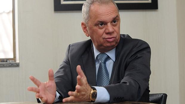 """Advogado Miguel Cançado: """"Acho positivo que se legalize, já que a atividade existe"""""""