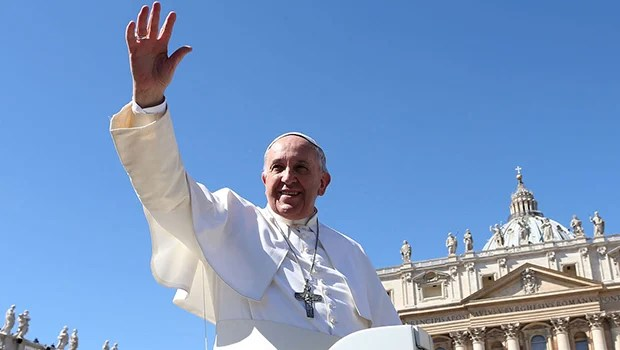 Número de evangélicos cresce, mas católicos ainda são maioria no Brasil