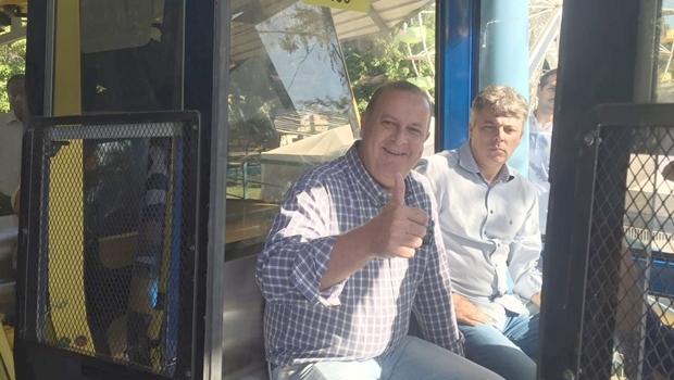 Prefeito Paulo Garcia (PT) faz viagem inaugural no teleférico do Parque Mutirama | fto: divulgação / prefeitura de Goiânia