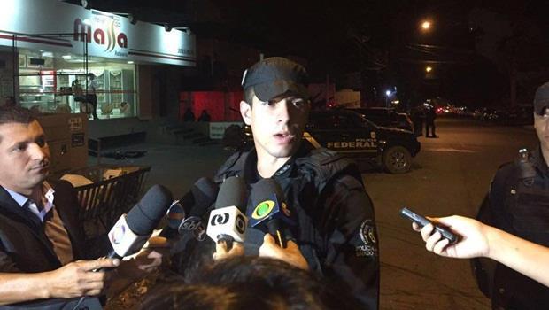Tenente Luiz André de Oliveira afirma que artefato era elaborado e tinha alto poder de destruição | Foto: Alexandre Parrode