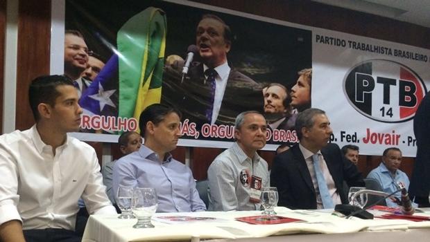 Deputado estadual Zê Antônio, deputado federal Thiago Peixoto, pré-candidato Luiz Bittencourt e o vice-governador José Eliton | Foto: Larissa Quixabeira
