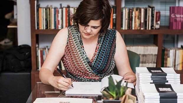 """Larissa Mundim:""""Nossos livros têm um esforço enorme para que não sejam tradicionais""""   Foto: Reprodução"""