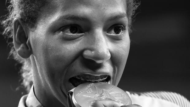 Rafaela Silva, medalha de ouro no judô, na Olimpíada Rio 2016 | Foto: Reprodução/AFP