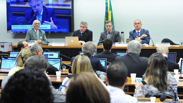 Comissão Especial da Câmara discute pacote de medidas contra a corrupção   Foto: Luis Macedo / Câmara dos Deputados