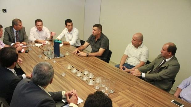Em reunião com cúpula da Segurança Pública, Vanderlan discute alternativas para solucionar a violência na capital
