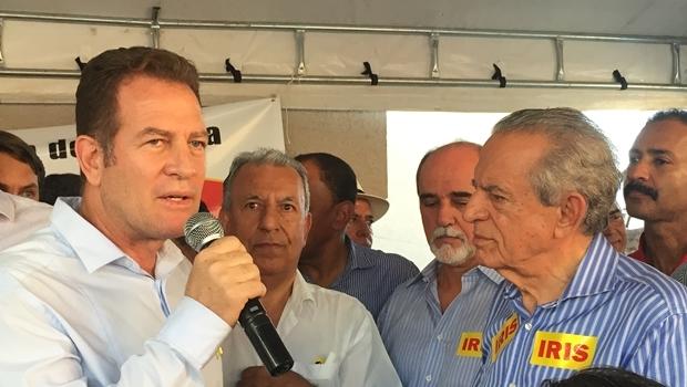 Major Araújo e Iris Rezende durante evento no escritório político do candidato do PMDB | Foto: Alexandre Parrode