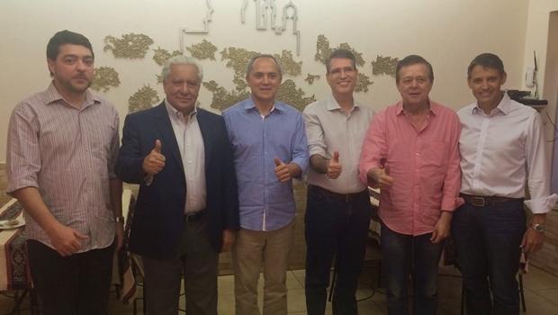 Henrique Arantes, Vilmar Rocha, Luiz Bittencourt, Francisco Jr., Jovair Arantes e Thiago Peixoto   Foto: reprodução