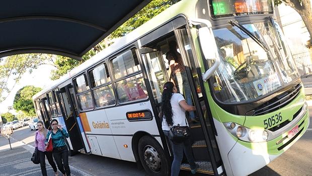 """Especialista diz que municipalização do transporte coletivo é """"retrocesso"""" para Goiânia"""