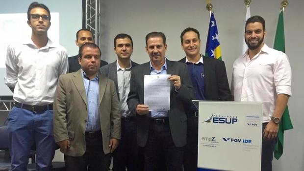 Vanderlan firma compromisso com jovens empresários | Foto: reprodução/Facebook