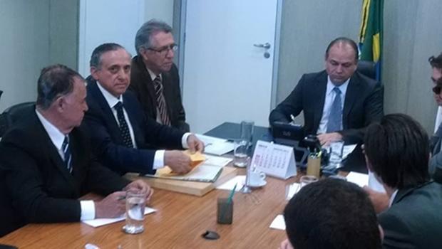 Ministro da Saúde promete avaliar situação do Hospital Araújo Jorge