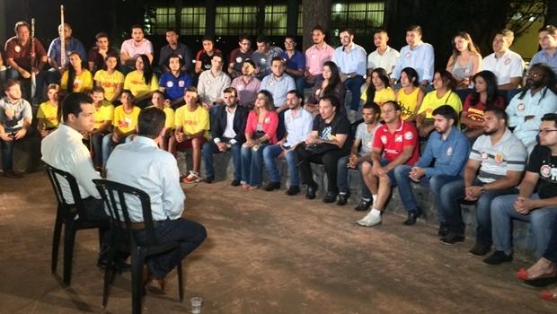 Candidato a prefeito Vanderlan Cardoso (PSB) e candidato a vice Thiago Albernaz (PSDB) participaram de conversa com representantes da juventude goianiense | Foto: Divulgação