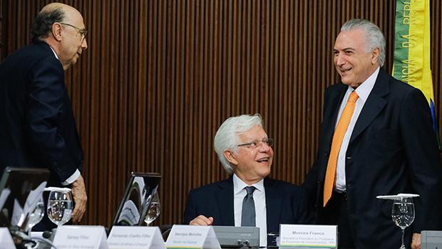 Equipe do presidente Michel Temer, com Henrique Meirelles à frente, espera arrecadar R$ 24 bilhões com 34 projetos incluídos no Programa de Parcerias de Investimentos | Foto: Foto: Carolina Antunes/PR