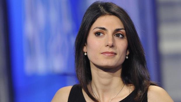 Virginia Raggi, nova prefeita de Roma, foi eleita pelo partido de direita MoVimento 5 Stelle, o M5S