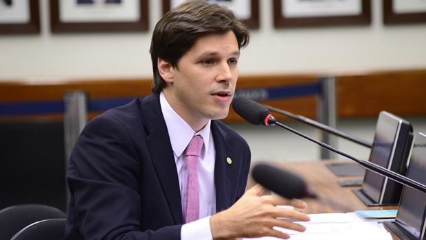 Projeto de deputado goiano é apontado como base para modernizar telecomunicações