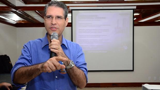 Francisco Jr. propõe ocupar vazios urbanos com moradias populares