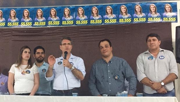 Candidata a vereadora Priscilla Tejota, deputado Lincoln Tejota, prefeitável Francisco Jr., ex-deputado Frederico Nascimento (todos do PSD) e Coronel Pacheco (PTB)