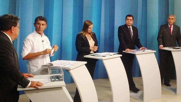 Em debate, Claudia pede que população vote por uma Palmas mais humana