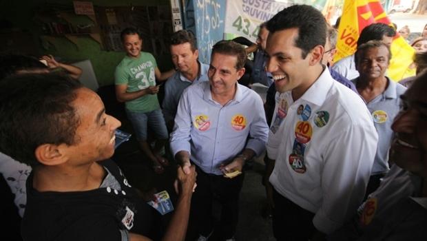 Vanderlan e Thiago Albernaz em caminhada | Foto: divulgação