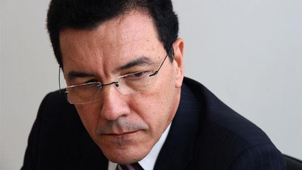 """Professor Edward Madureira: """"É preciso fazer mudanças, mas escolheram a pior forma para fazer isso"""""""