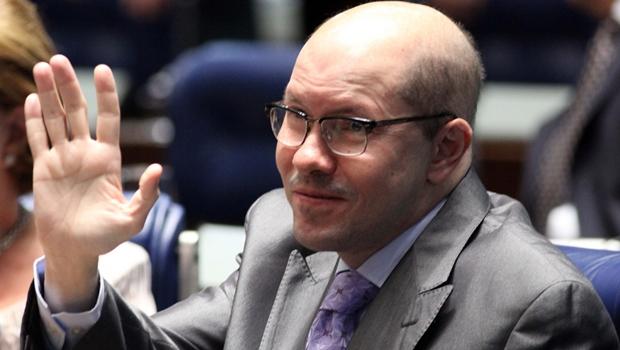Demóstenes Torres deve ser candidato a deputado por um partido da base de Marconi Perillo