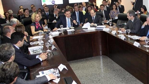 Governador e secretariado durante encontro nesta terça | Foto: Humberto Silva
