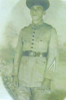 Manoel Raymundo Soares, sargento do Exército, era um homem culto. Envolveu-se com a esquerda e acabou assassinado por agentes do Dops