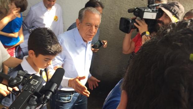 """Após votar, Iris diz que já """"pressentia"""" vitória desde início do segundo turno"""
