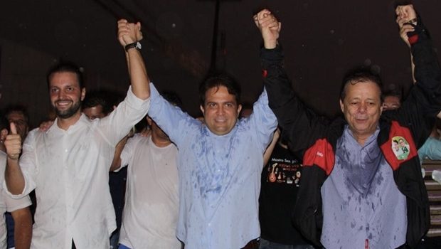 Ao lado de 2 mil pessoas, Roberto do Órion comemora vitória em Anápolis