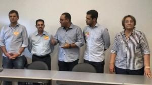 Em reunião, Virmondes Cruvinel e Rose Cruvinel oficializaram apoio a Vanderlan | Foto: Amanda Damasceno / Jornal Opção