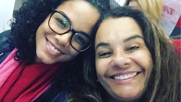 Filha de Solange Couto revela ter sido estuprada duas vezes. Atriz se declara indignada e impotente