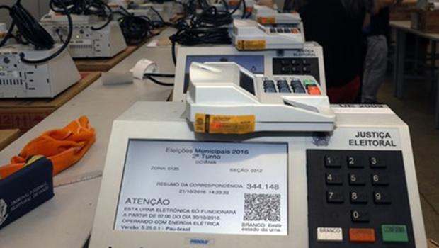 Justiça Eleitoral inicia preparação das urnas eletrônicas para o segundo turno