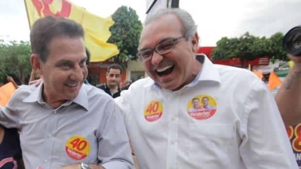Vanderlan Cardoso e Jânio Darrot participam de caminhada em região de divisa entre os municípios de Goiânia e Trindade | Foto: Divulgação
