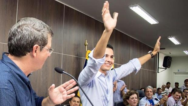 Substituto de Zé Gomes, Zé Antônio é eleito prefeito de Itumbiara