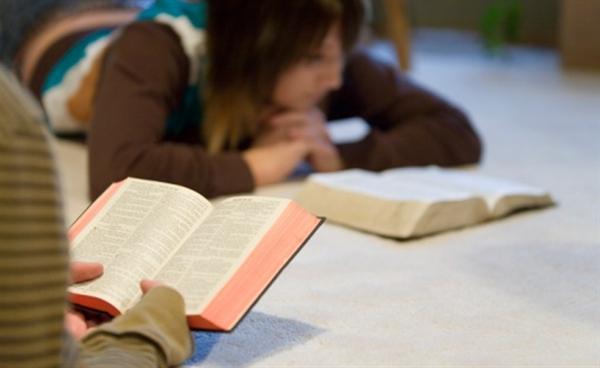 biblia-em-escolas-2-563-1