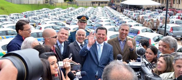 Governador entrega novas viaturas | Foto: Eduardo Ferreira