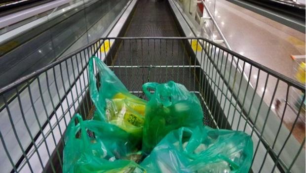 Deputado quer que supermercados tenham carrinhos adaptados para deficientes