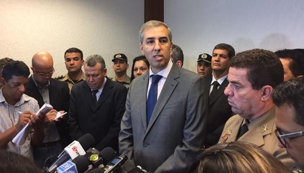 José Eliton durante coletiva | Foto: Marcelo Gouveia/Jornal Opção